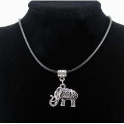 Collar Vintage con colgante Elefante