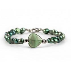 Pulsera de perlas verdes y Corazón de Fluorita