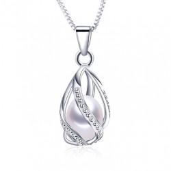 Colgante con Perla natural de Agua Dulce de inspiración Fabergé