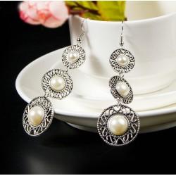 Pendientes vintage con tres perlas