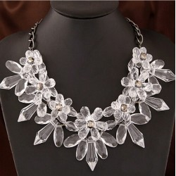 Romantic Crystal Flower Necklace Venecia