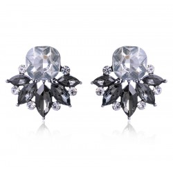 Pendientes elegantes con cristales en forma de  flor