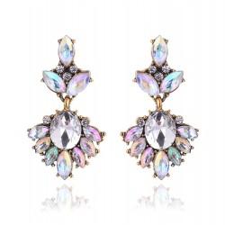 Pendientes elegantes con cristales en varios tonos