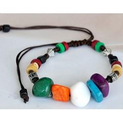 Pulsera con piedras coloridas