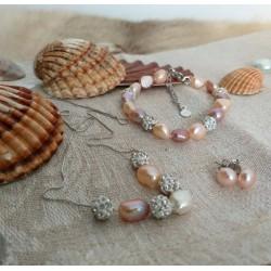 Conjunto con perlas naturales y esferas tipo shamballa