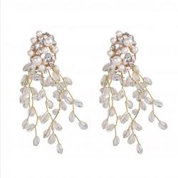 Pendientes elegantes color dorado con perlas y finos cristales