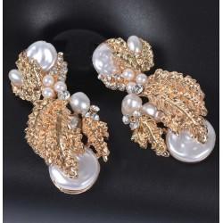 Pendientes inspiración greco-romana con nacar, perlas y hojas doradas