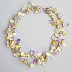 Conjunto de collar de doble vuelta y pendientes, con amatista, olivino, peridoto, citrino y cuarzo blanco
