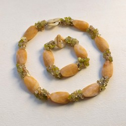 Conjunto artesanal de piedras naturales jade amarillo - beige