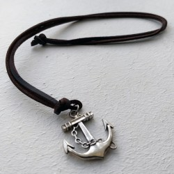 Collar unisex de cuero con ancla marinera plateada