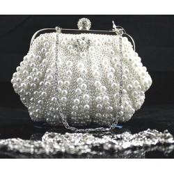 Bolso clutch con perlas