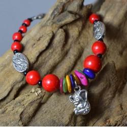 Pulsera con Piedras rojas, conchas y Elefante de la suerte