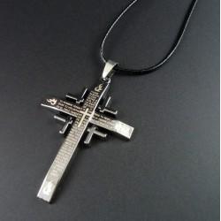 Collar con colgante Cruz Católica